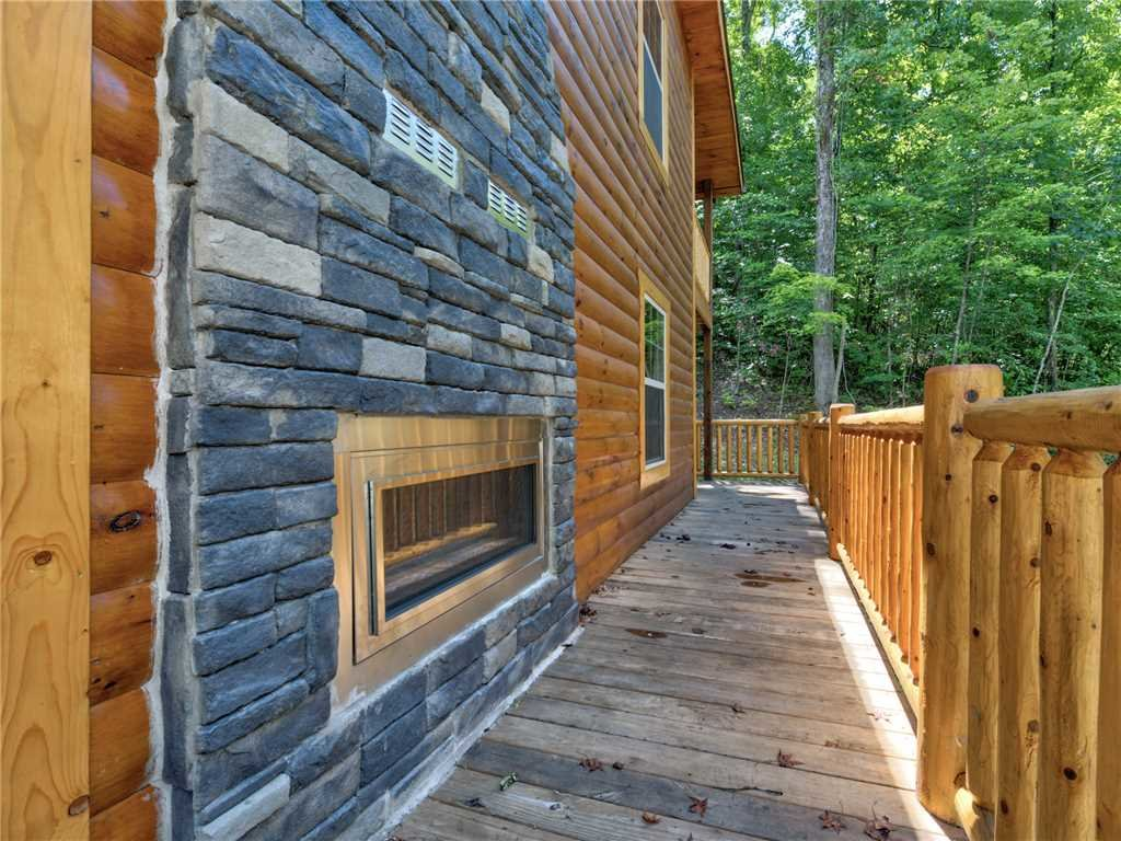 Photo of a Pigeon Forge Cabin named Mirror Pond - This is the thirty-first photo in the set.