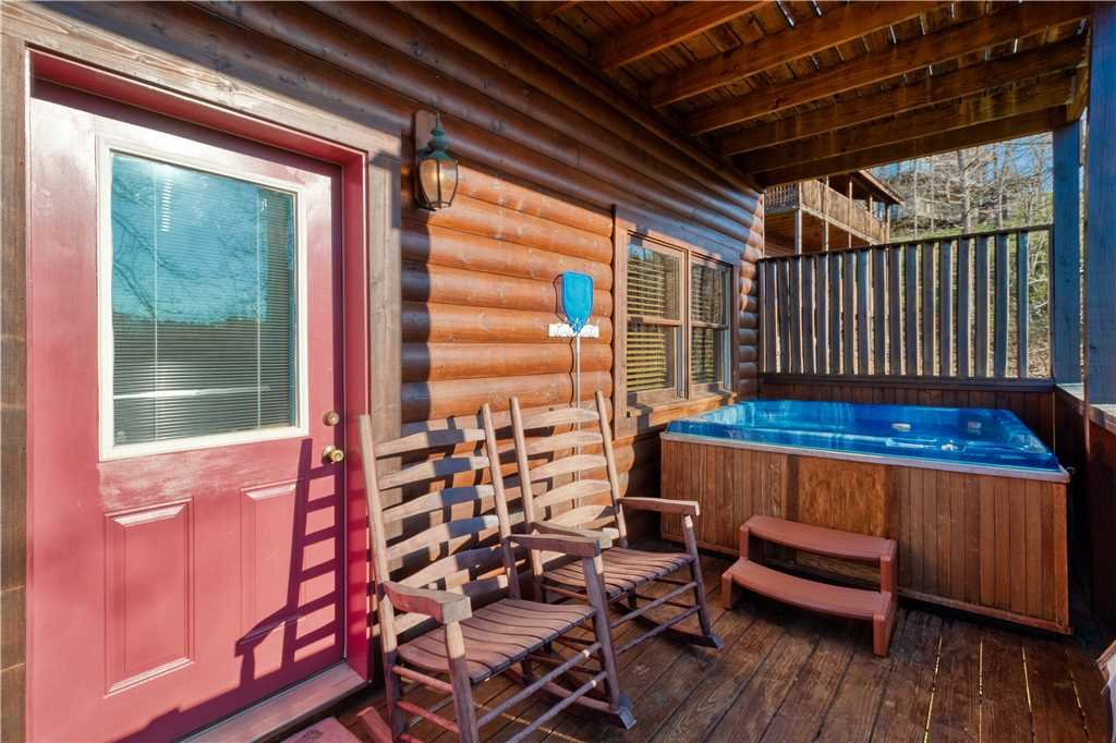 Photo of a Sevierville Cabin named Smoky Mountain Retreat - This is the thirty-first photo in the set.