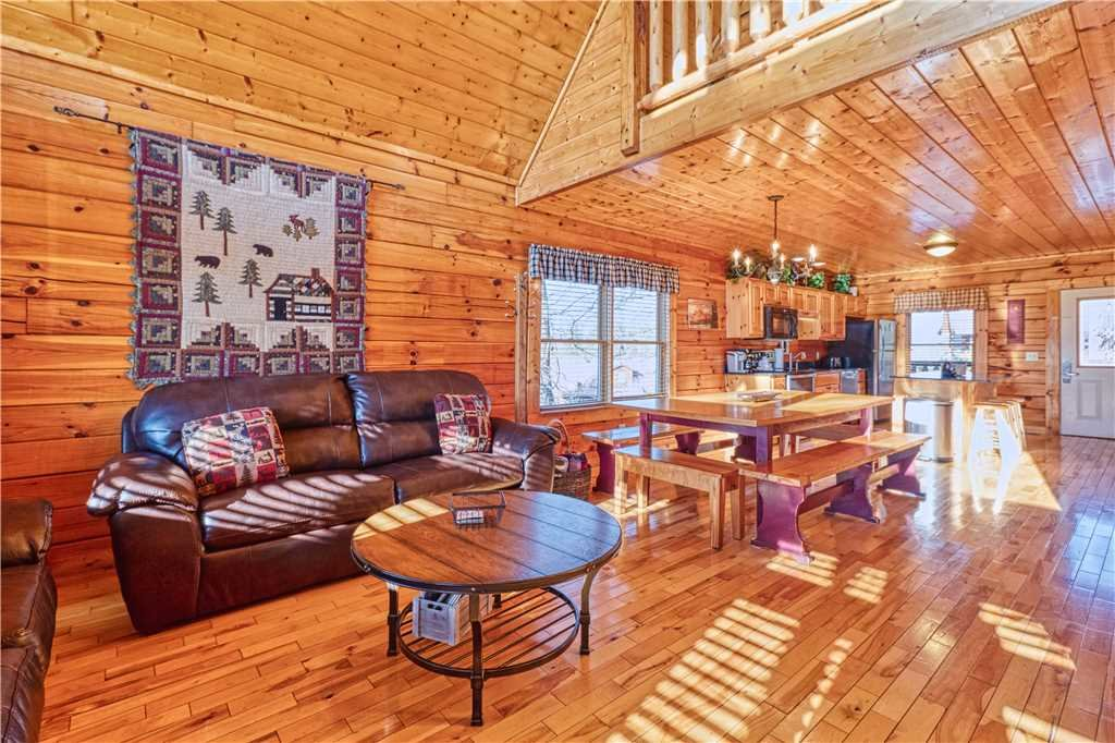 Photo of a Sevierville Cabin named Smoky Mountain Retreat - This is the third photo in the set.