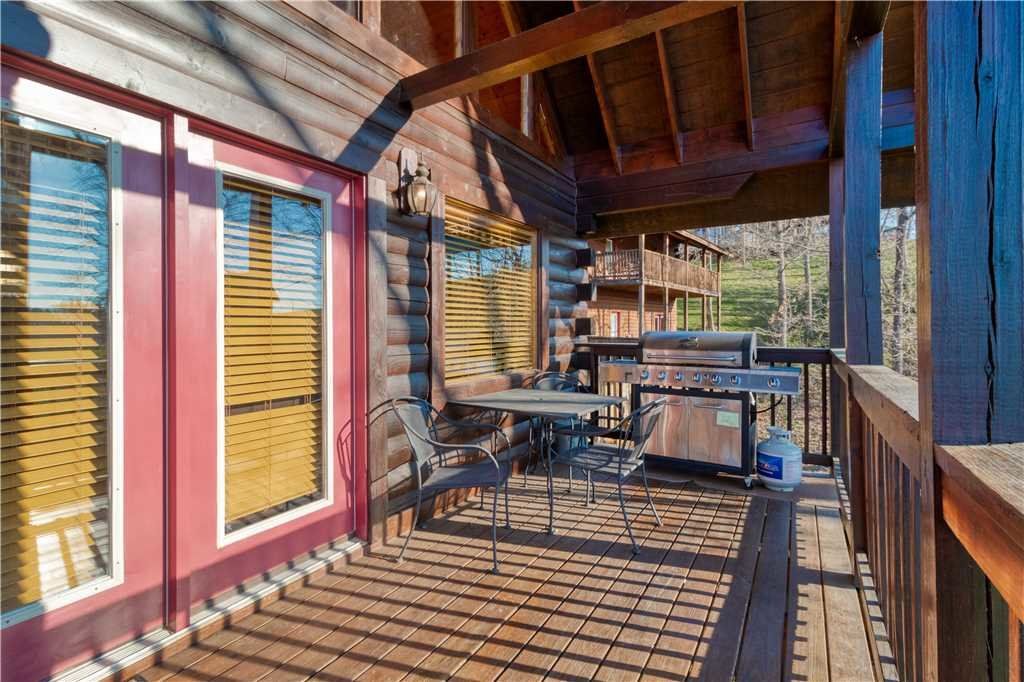 Photo of a Sevierville Cabin named Smoky Mountain Retreat - This is the thirty-second photo in the set.