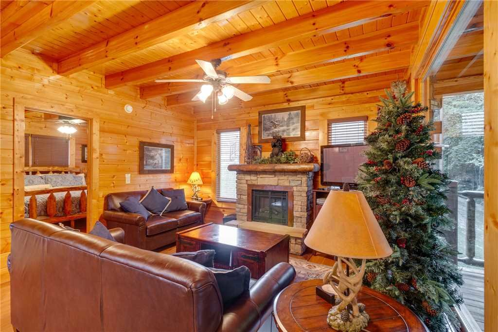 Photo of a Sevierville Cabin named Rustic Retreat - This is the third photo in the set.