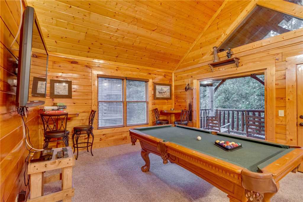 Photo of a Sevierville Cabin named Rustic Retreat - This is the twenty-second photo in the set.