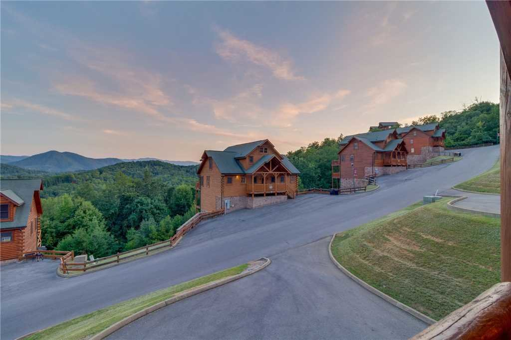 Photo of a Sevierville Cabin named Rustic Retreat - This is the thirty-second photo in the set.
