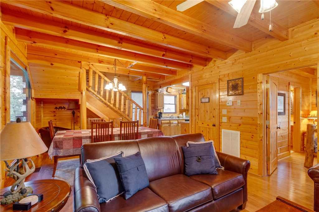 Photo of a Sevierville Cabin named Rustic Retreat - This is the fifth photo in the set.