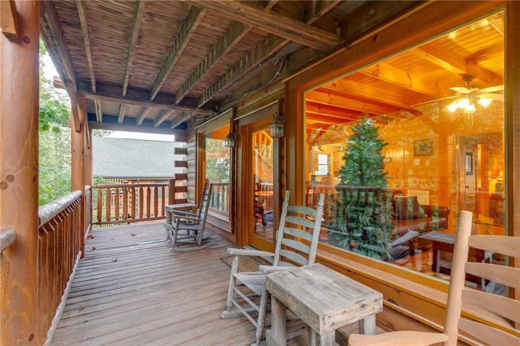 Photo of a Sevierville Cabin named Rustic Retreat - This is the seventeenth photo in the set.