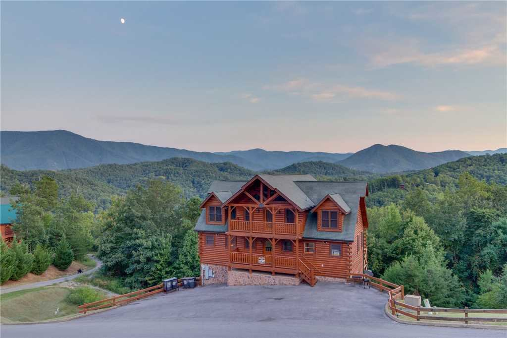 Photo of a Sevierville Cabin named Rustic Retreat - This is the thirty-third photo in the set.