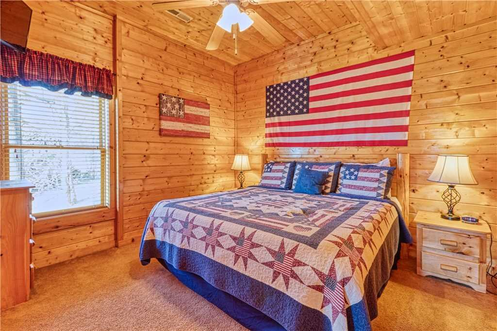 Photo of a Sevierville Cabin named Smoky Mountain Retreat - This is the twenty-fifth photo in the set.