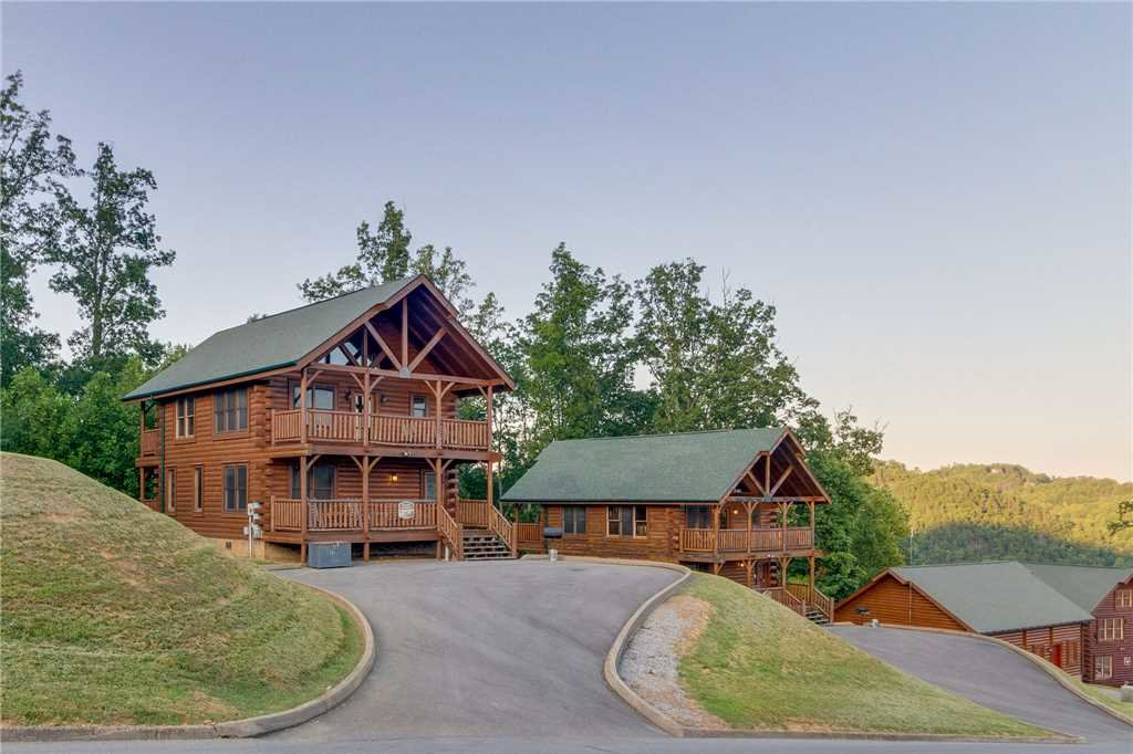Photo of a Sevierville Cabin named Rustic Retreat - This is the first photo in the set.