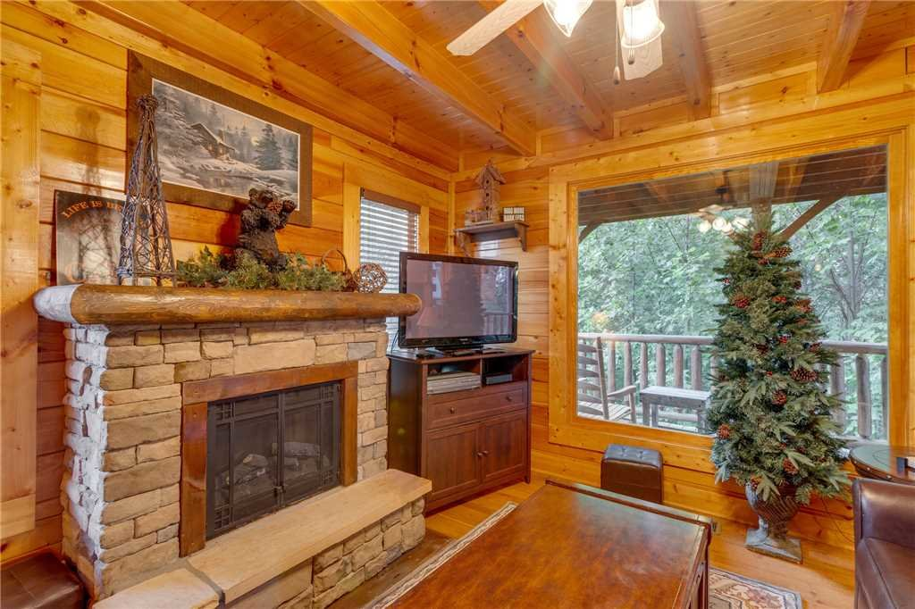 Photo of a Sevierville Cabin named Rustic Retreat - This is the fourth photo in the set.