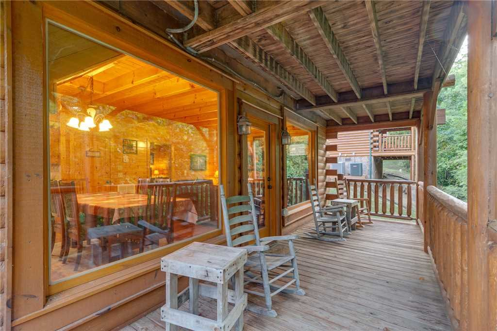 Photo of a Sevierville Cabin named Rustic Retreat - This is the sixteenth photo in the set.