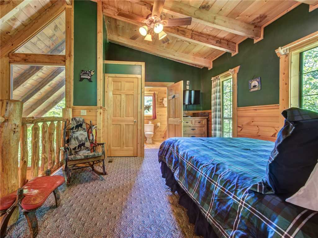Photo of a Sevierville Cabin named Peaceful Mountain Gem - This is the twentieth photo in the set.