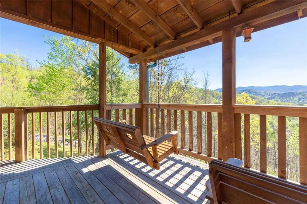 Photo of a Gatlinburg Cabin named Sweet Surrender - This is the first photo in the set.