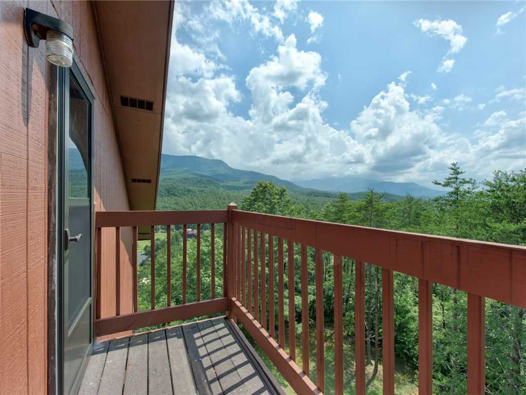 Photo of a Gatlinburg Condo named Pinnacle Penthouse - This is the twenty-second photo in the set.