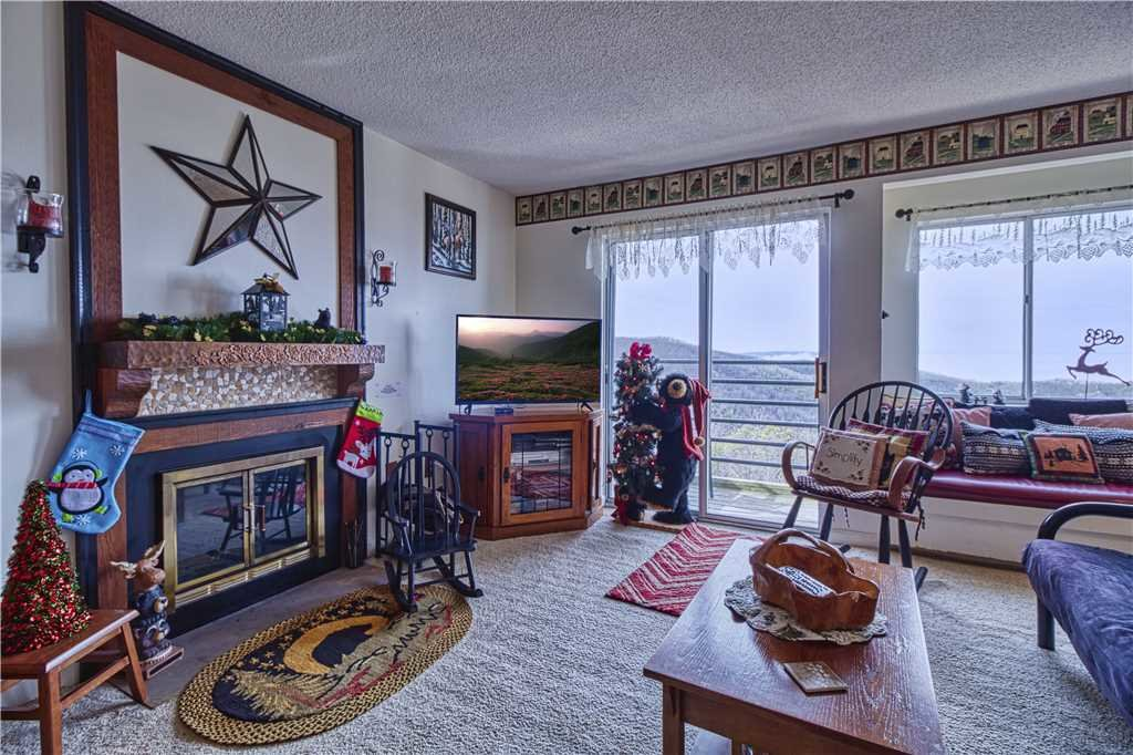 Photo of a Gatlinburg Condo named Whippoorwill - This is the fourth photo in the set.