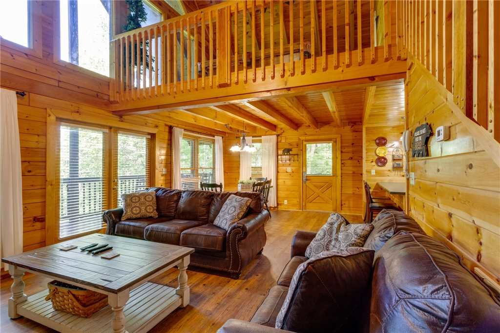 Photo of a Pigeon Forge Cabin named Cozy Bear Cabin - This is the sixth photo in the set.