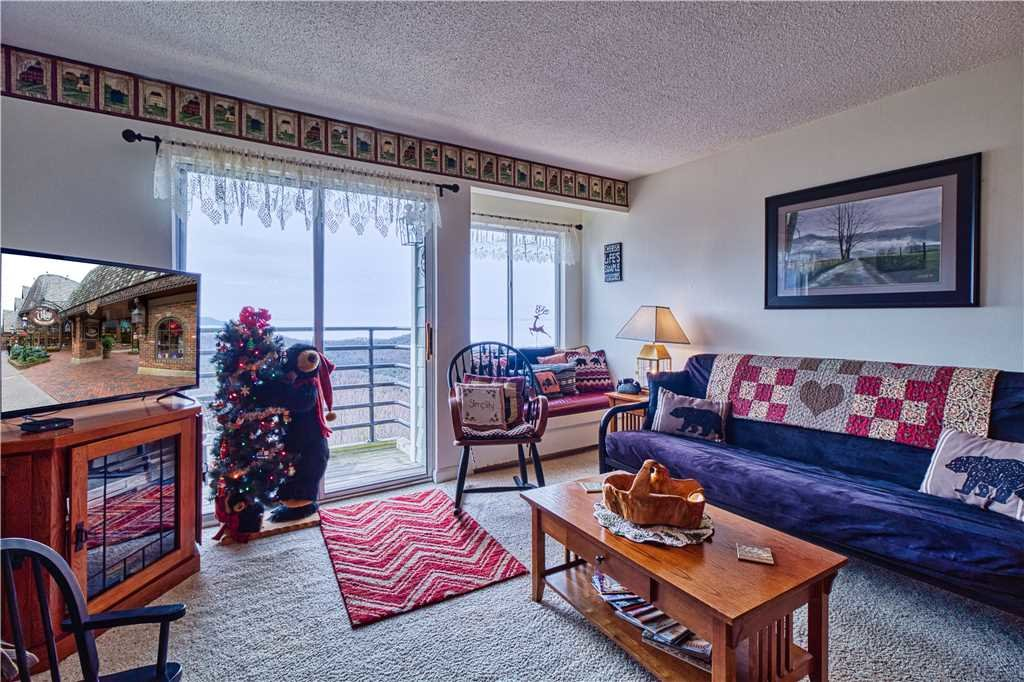 Photo of a Gatlinburg Condo named Whippoorwill - This is the third photo in the set.