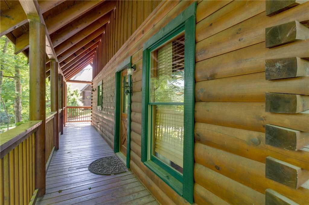 Photo of a Pigeon Forge Cabin named Cozy Bear Cabin - This is the thirty-sixth photo in the set.