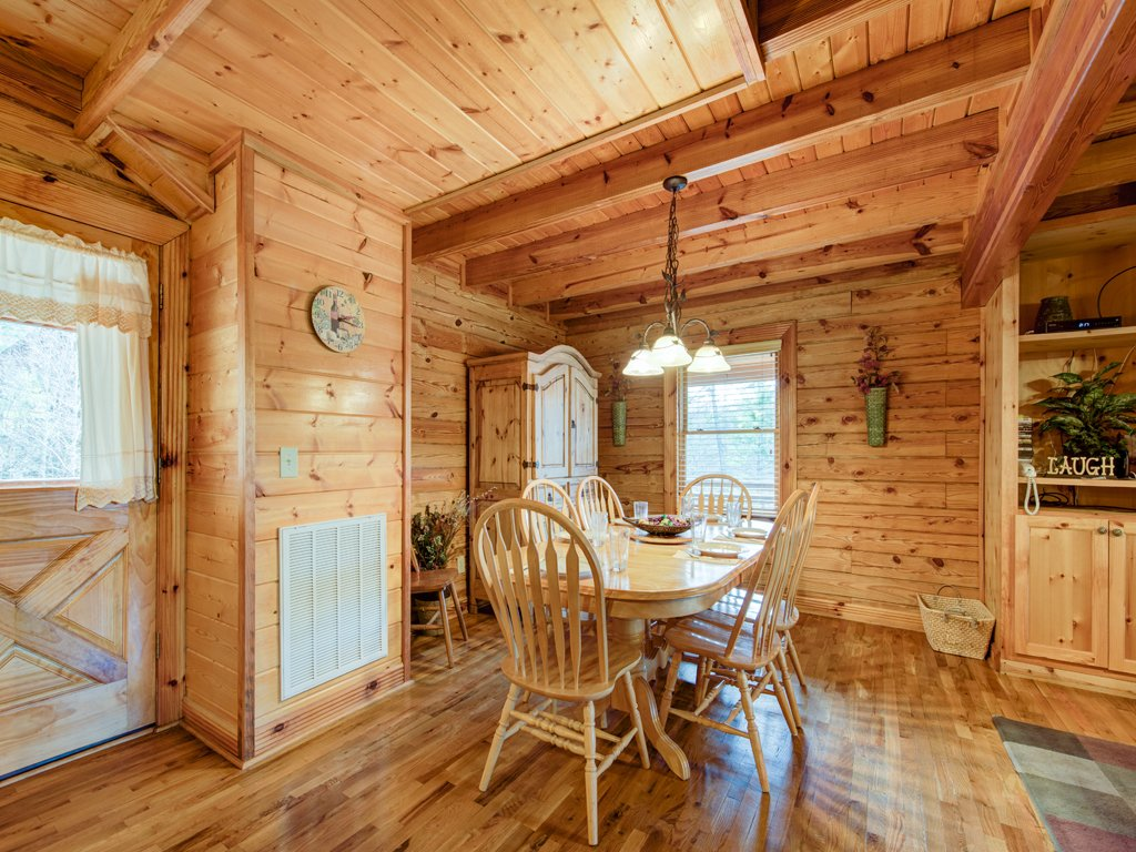 Photo of a Sevierville Cabin named Natures Paradise - This is the eighth photo in the set.