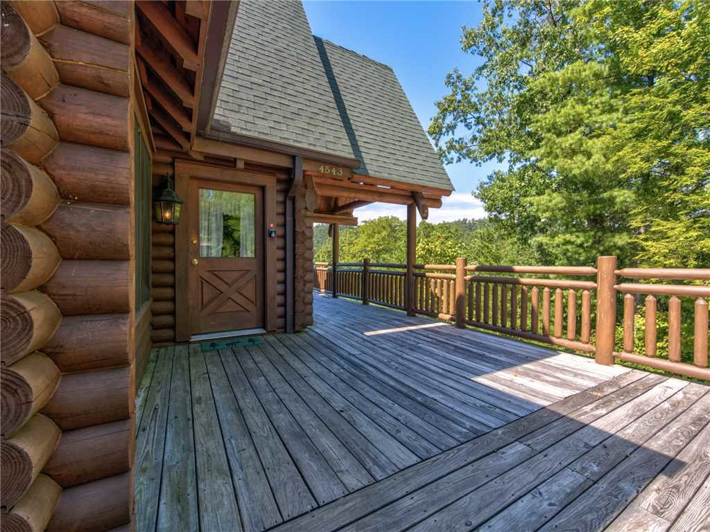 Photo of a Sevierville Cabin named Natures Paradise - This is the thirtieth photo in the set.