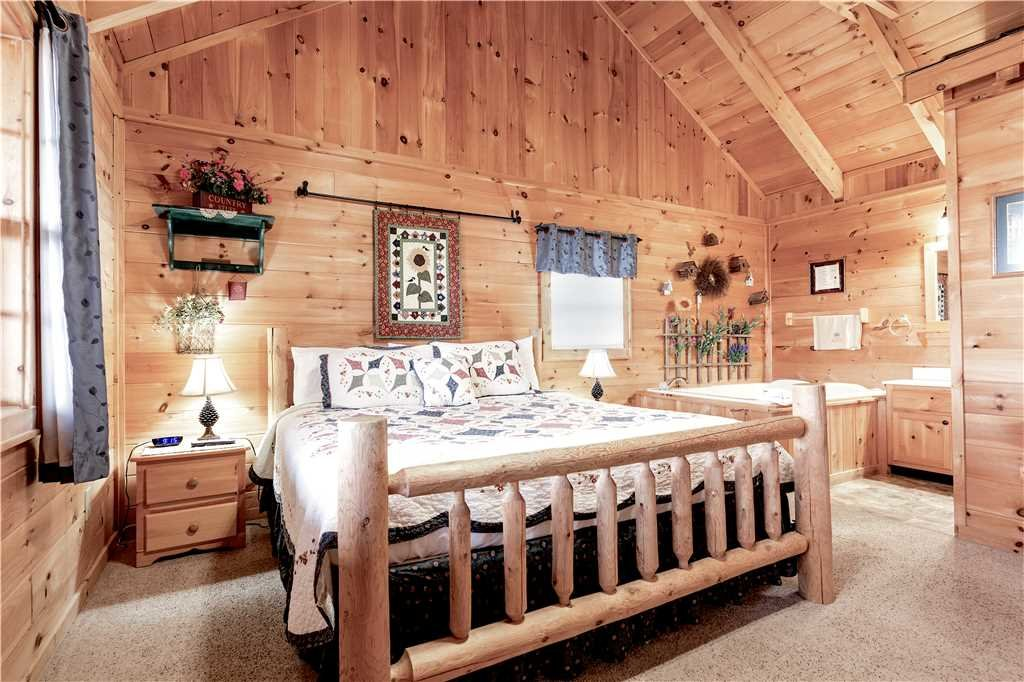 Photo of a Gatlinburg Cabin named Beyond Paradise - This is the twelfth photo in the set.