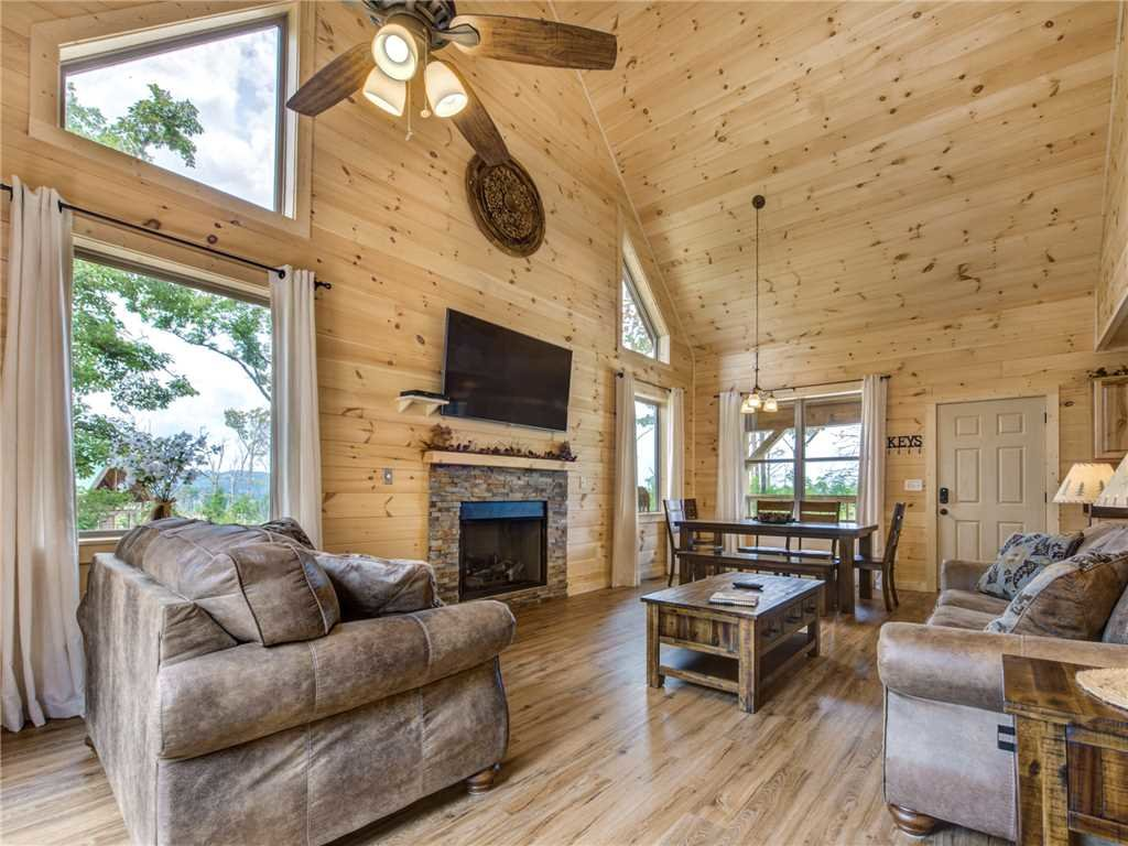 Photo of a Gatlinburg Cabin named Walnut Ridge - This is the first photo in the set.