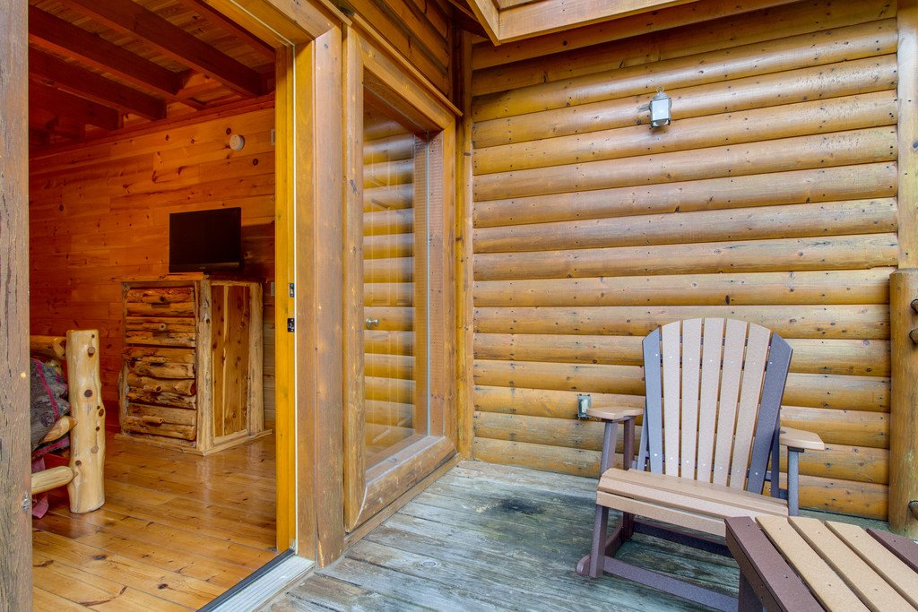 Photo of a Sevierville Cabin named Mountain Cinema Lodge - This is the thirty-seventh photo in the set.
