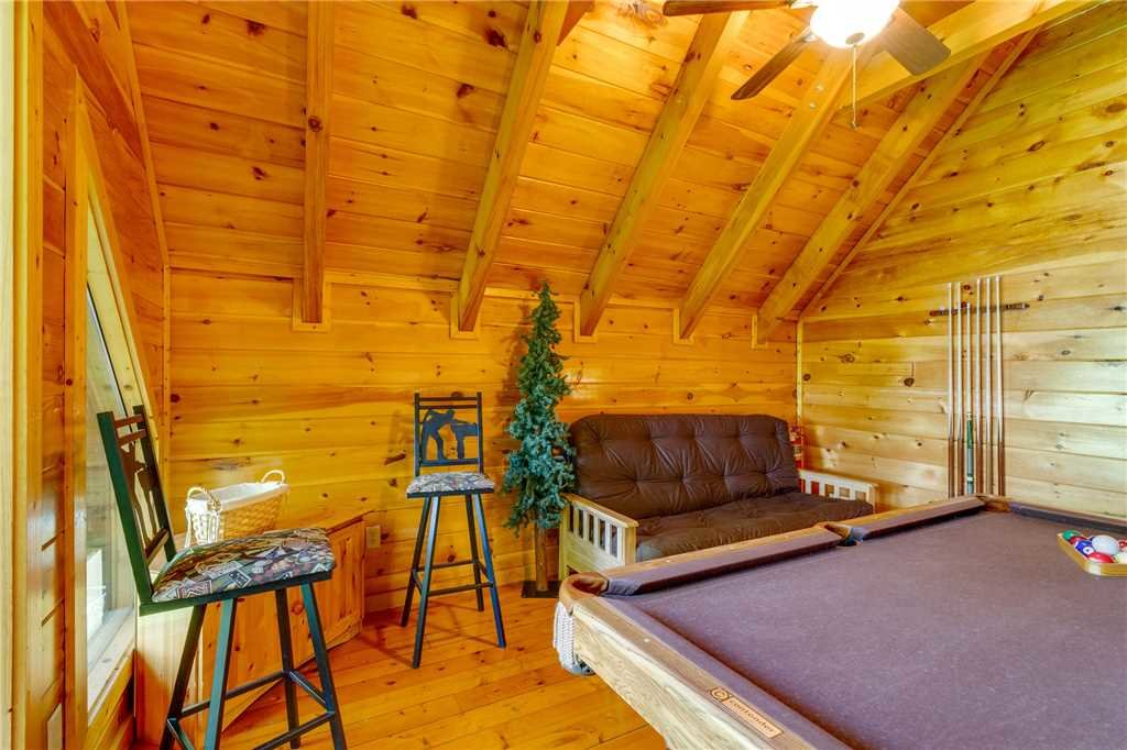 Photo of a Pigeon Forge Cabin named Cozy Bear Cabin - This is the twenty-first photo in the set.