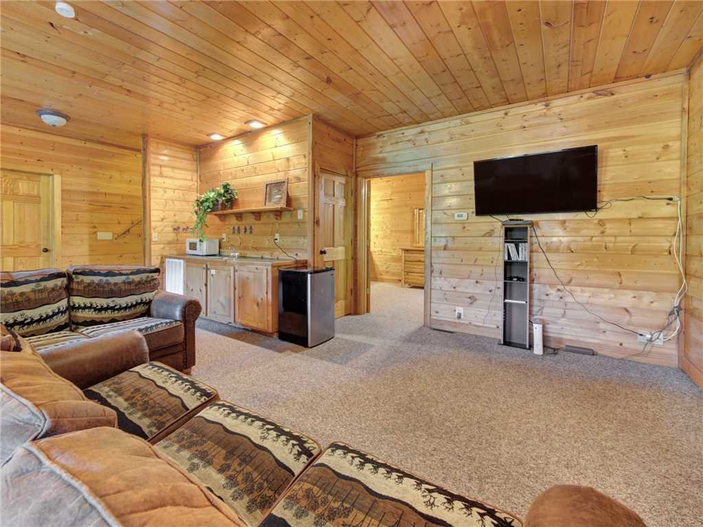 Photo of a Sevierville Cabin named Natures Paradise - This is the twelfth photo in the set.