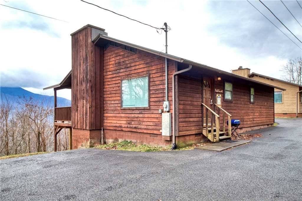 Photo of a Gatlinburg Cabin named Park View 1 - This is the seventeenth photo in the set.