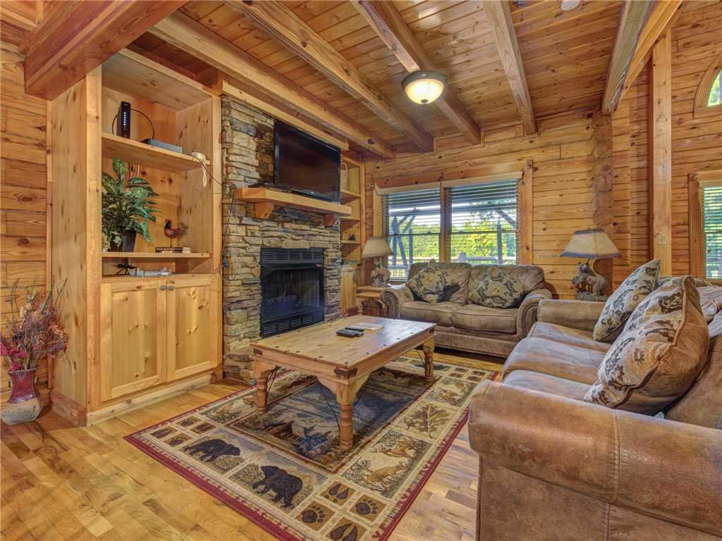 Photo of a Sevierville Cabin named Natures Paradise - This is the first photo in the set.