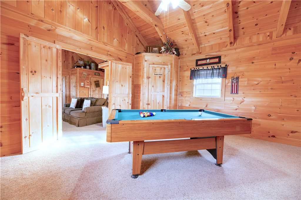 Photo of a Gatlinburg Cabin named Beyond Paradise - This is the eighth photo in the set.