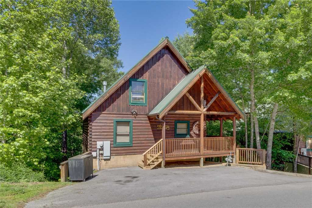 Photo of a Pigeon Forge Cabin named Cozy Bear Cabin - This is the fortieth photo in the set.