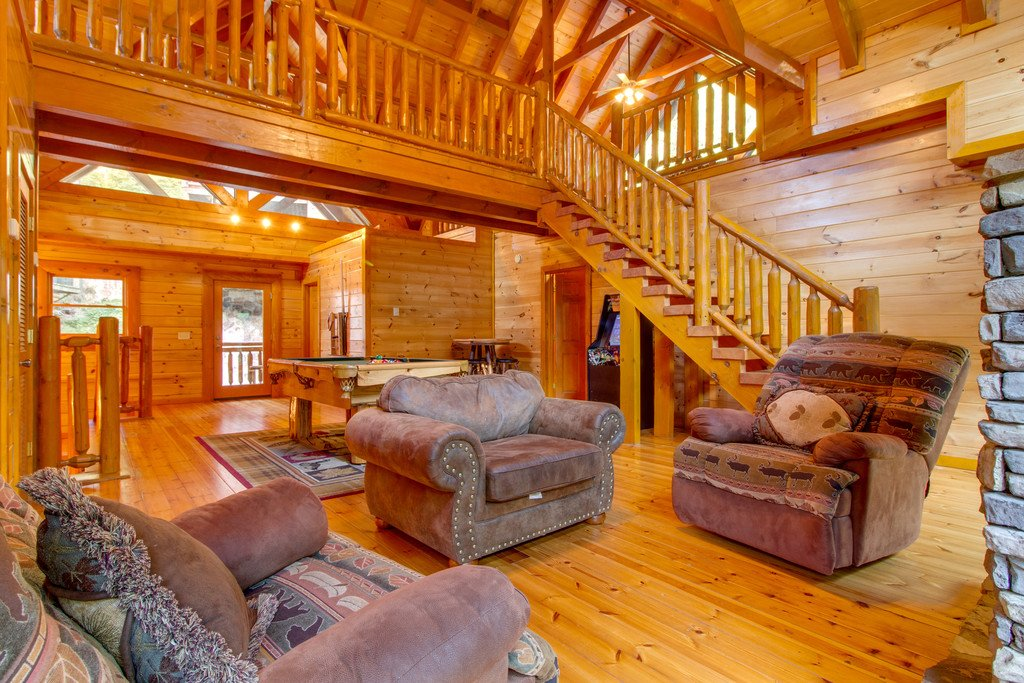 Photo of a Sevierville Cabin named Mountain Cinema Lodge - This is the fourteenth photo in the set.
