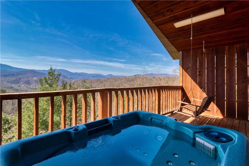 Photo of a Gatlinburg Cabin named Sweet Heart - This is the second photo in the set.