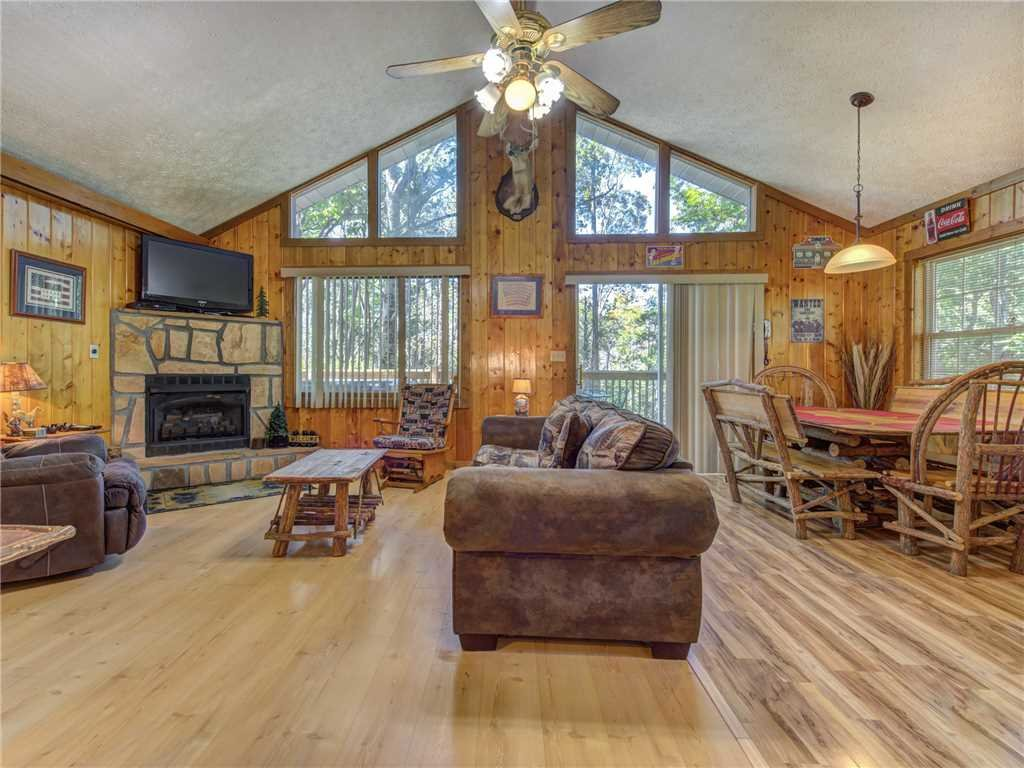 Photo of a Gatlinburg Cabin named Peanuts Hideaway - This is the first photo in the set.