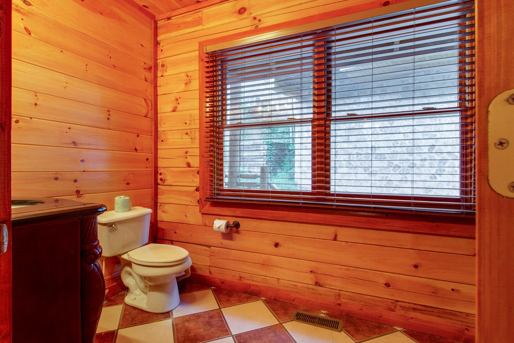 Photo of a Sevierville Cabin named Mountain Cinema Lodge - This is the twenty-sixth photo in the set.