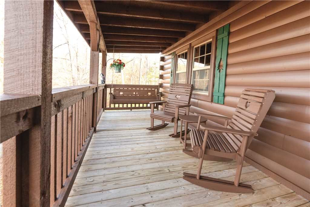 Photo of a Gatlinburg Cabin named Beyond Paradise - This is the eighteenth photo in the set.