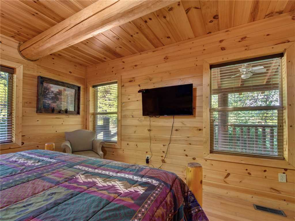 Photo of a Sevierville Cabin named Longwalker Lodge - This is the fifteenth photo in the set.