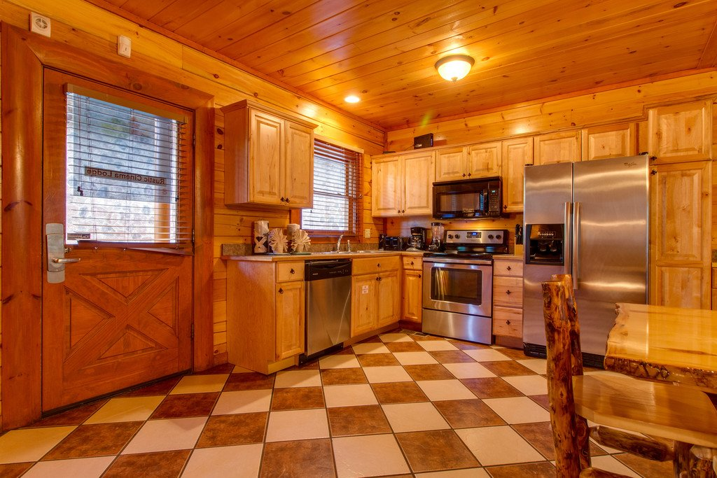 Photo of a Sevierville Cabin named Mountain Cinema Lodge - This is the seventh photo in the set.