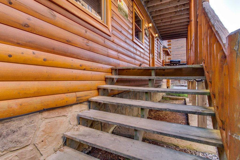 Photo of a Sevierville Cabin named Mountain Cinema Lodge - This is the fifty-third photo in the set.