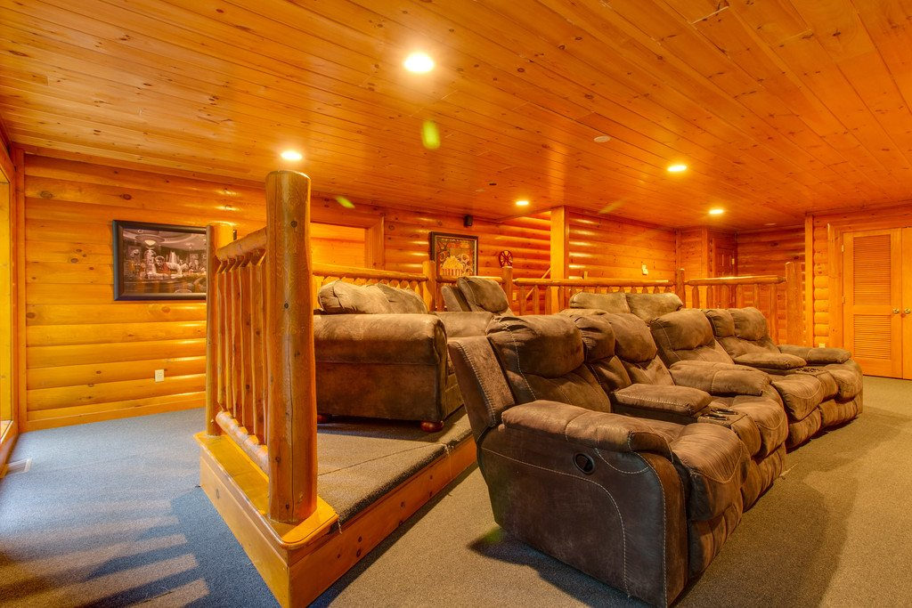 Photo of a Sevierville Cabin named Mountain Cinema Lodge - This is the eleventh photo in the set.