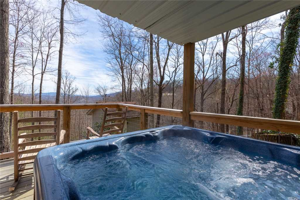 Photo of a Gatlinburg Cabin named Bear View Chalet - This is the second photo in the set.