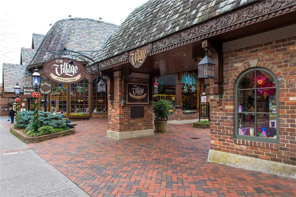Photo of a Gatlinburg Cabin named Love Me Tender - This is the seventeenth photo in the set.