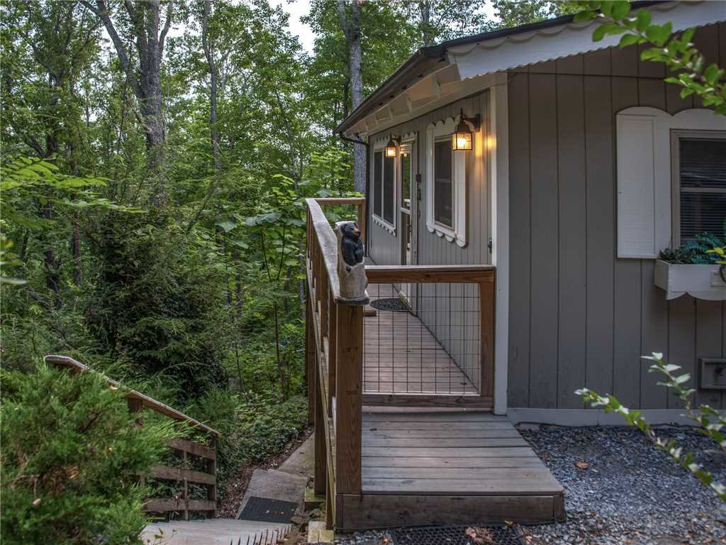 Photo of a Gatlinburg Cabin named Bear View Chalet - This is the thirtieth photo in the set.