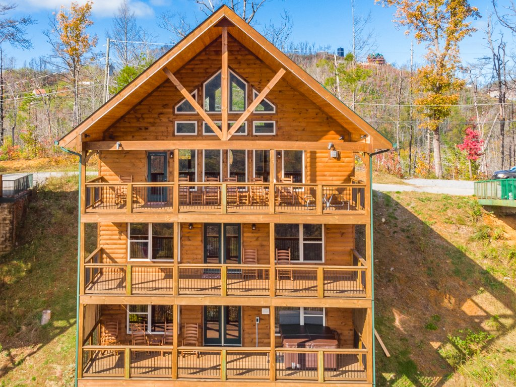Photo of a Gatlinburg Cabin named All About The View - This is the thirty-eighth photo in the set.
