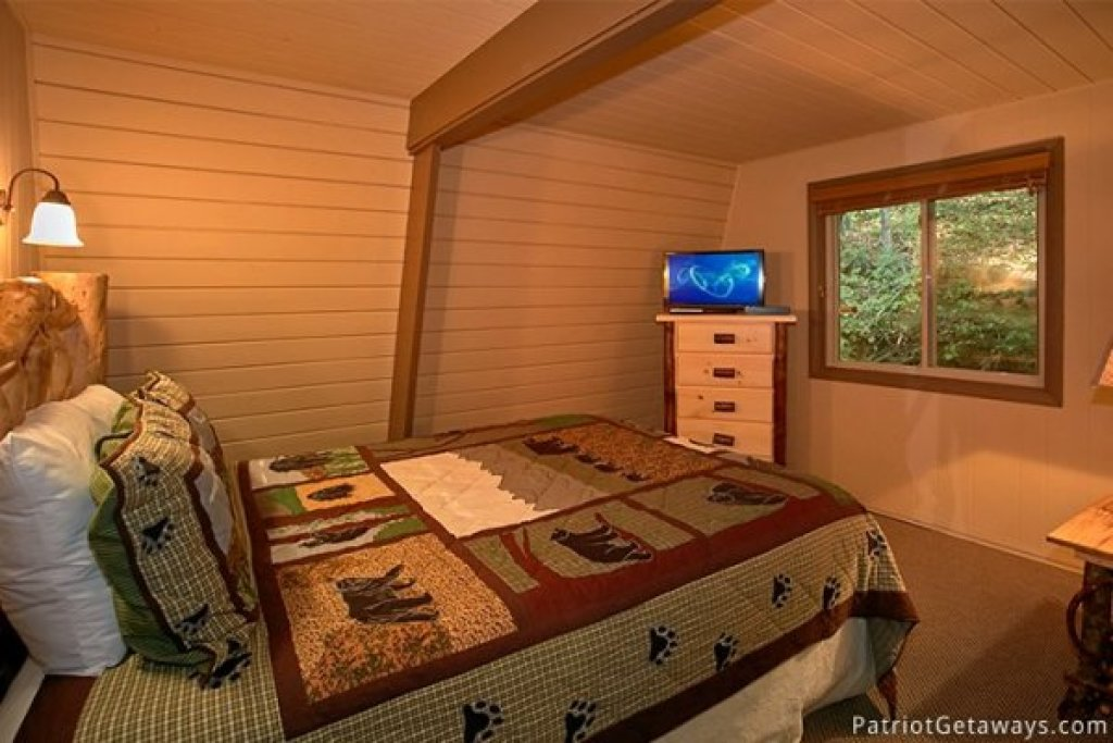 Photo of a Gatlinburg Cabin named Gatlinburg Lodge - This is the twenty-sixth photo in the set.