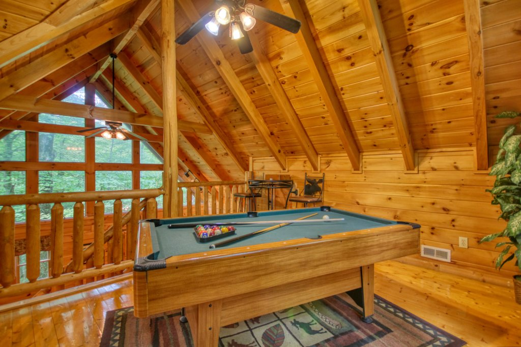Photo of a Gatlinburg Cabin named American Treehouse #1708 - This is the fifteenth photo in the set.