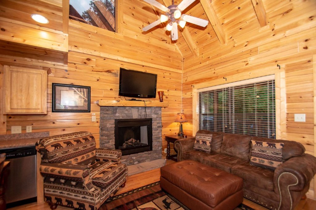 Photo of a Sevierville Cabin named Hideaway Haven - This is the sixth photo in the set.