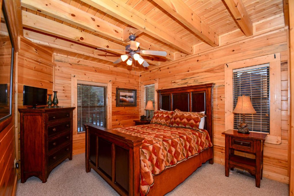 Photo of a Sevierville Cabin named Hideaway Haven - This is the seventh photo in the set.