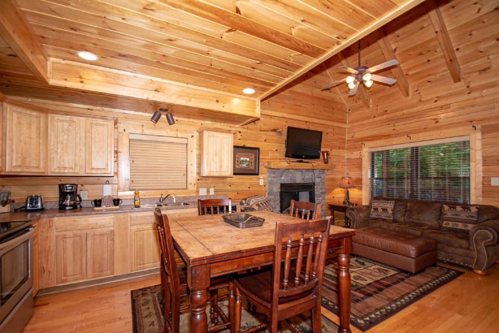 Photo of a Sevierville Cabin named Hideaway Haven - This is the fourth photo in the set.